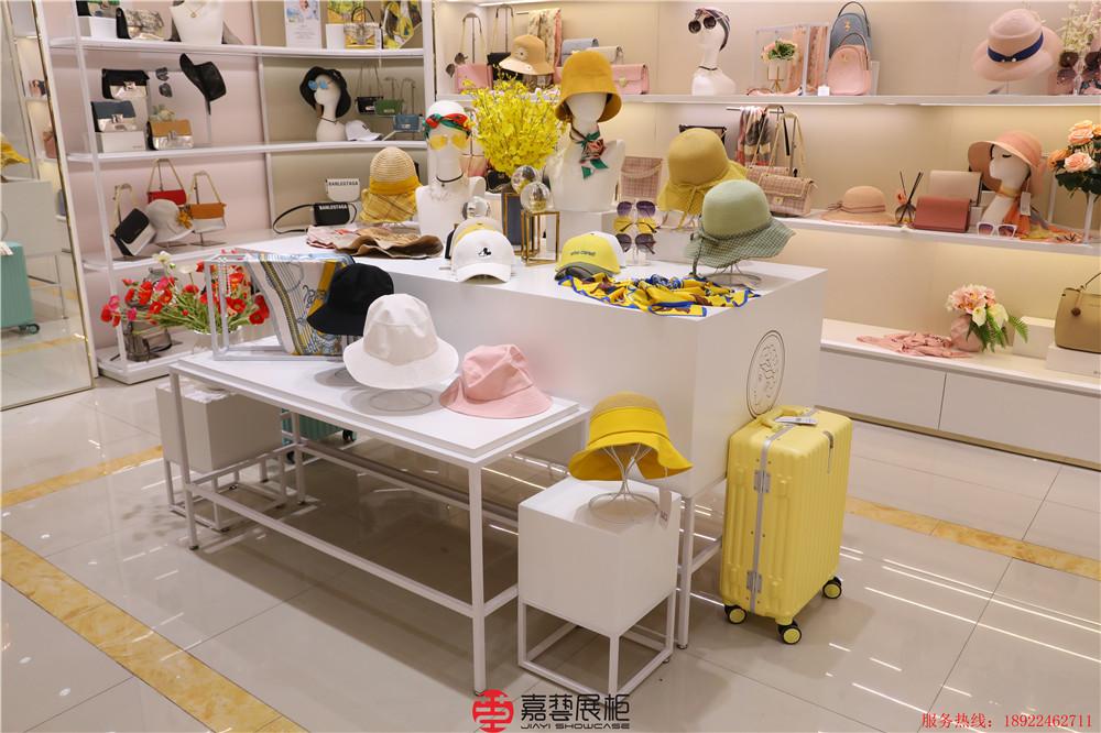 VENUS`STAR大饰品包包集合专卖  皮具手包店项链耳环手镯头箍专卖店展柜展示厅案例
