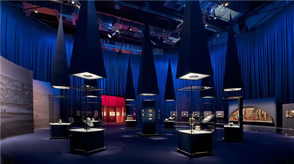 多哈卡塔尔 Bartholom US Schachman 卡塔尔博物馆 博物馆展柜定制案例