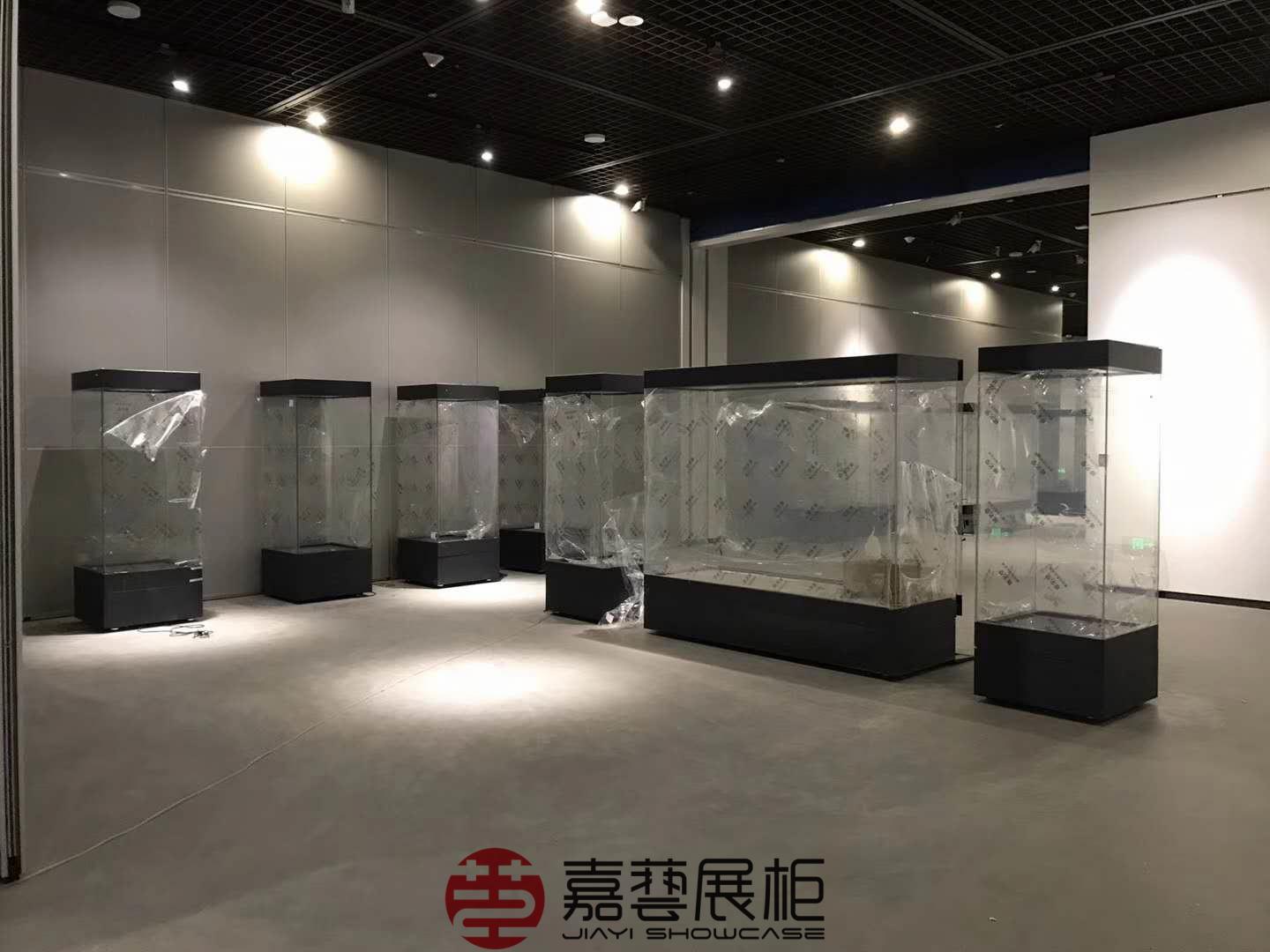 博物馆展柜对展放文物的影响以及博物馆展柜技术指标